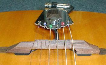 Picture of MICRO Guitare Acoustique K&K PURE FLOATING (chevalet flottant Django / Jazz) 2 Capteurs Extérieurs