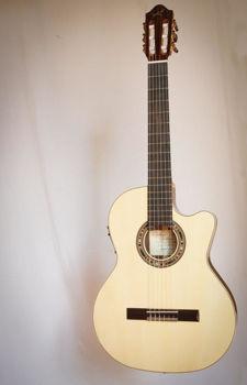 Picture of Guitare Classique Electro Acoustique 4/4 Thinline KREMONA Série Performer RONDO Epicéa/Noyer