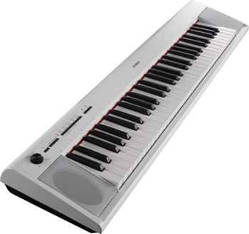 Picture of Piano numerique portable YAMAHA Piaggero NP12 White 61 Touches